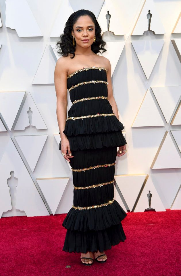 Tessa Thompson en robe Chanel sur le tapis rouge des