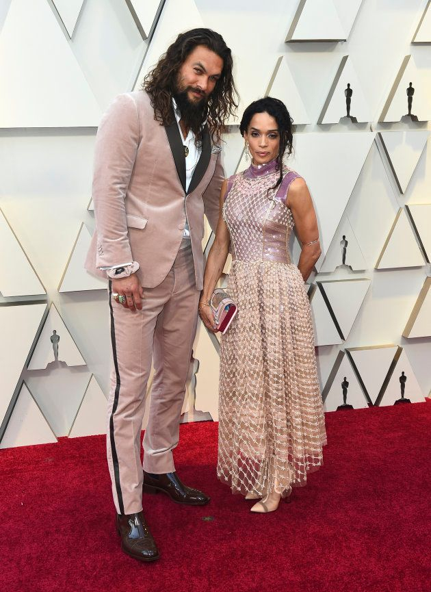 Jason Momoa et sa compagne Lisa Bonet sur le tapis rouge des