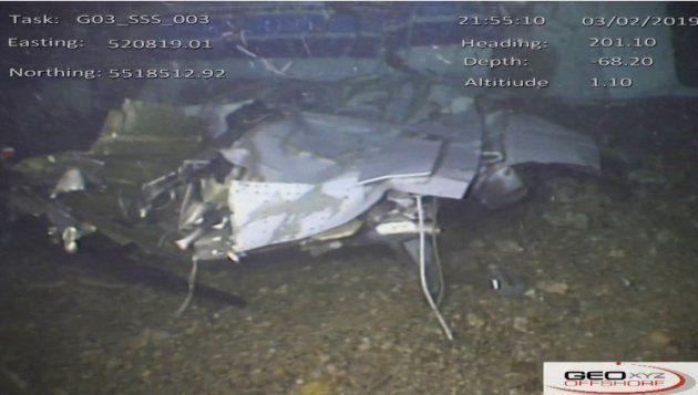 Photographie de l'épave de l'avion figurant dans le rapport des enquêteurs britanniques, prise le 3 février