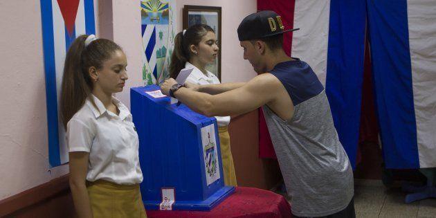 À Cuba, la nouvelle Constitution est adoptée (Photo prise le dimanche 24 février à