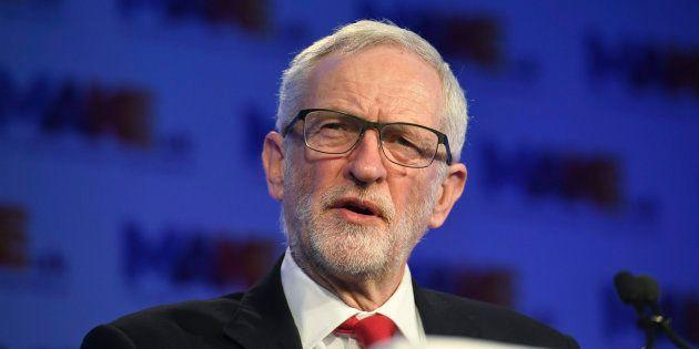 Jeremy Corbyn lors d'une conférence de presse sur l'Europe le 19