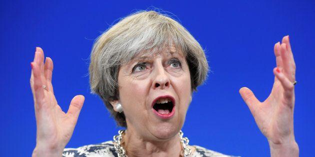 Sans majorité absolue, quel avenir pour May, les conservateurs et le