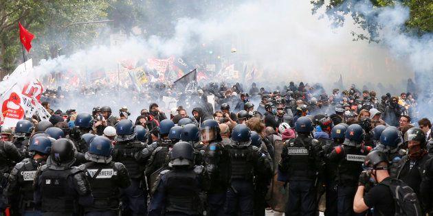 Pendant les manifestations anti-Loi Travail, le recours à l'état d'urgence avait permis aux autorités...