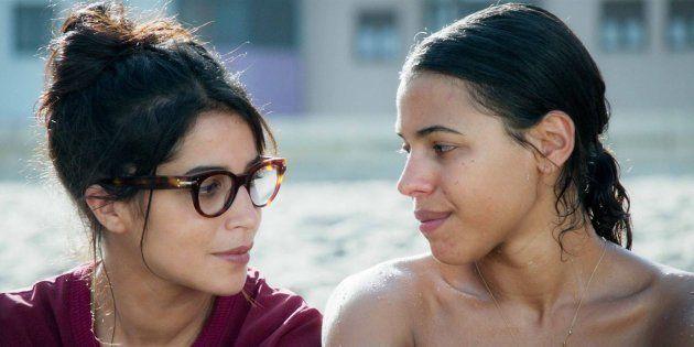 Leïla Bekhti et Zita Hanrot, sœurs et comédiennes rivales dans le film des frères Renier sorti dans les...