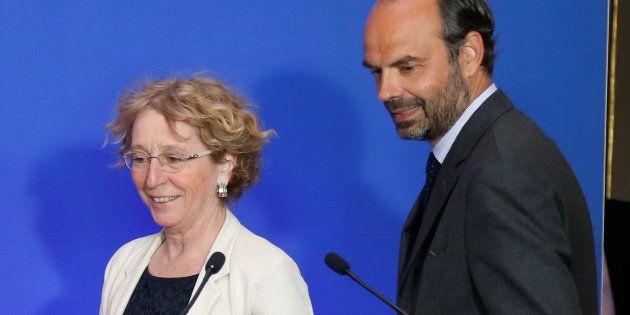 Muriel Pénicaud (ici avec Edouard Philippe) a annoncé le dépôt d'une plainte contre X par le ministère...