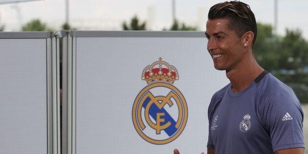 Cristiano Ronaldo papa de jumeaux, annoncent les médias