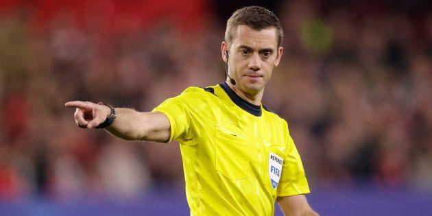 Clément Turpin arbitrant le match FC Séville-Manchester United le 21 février