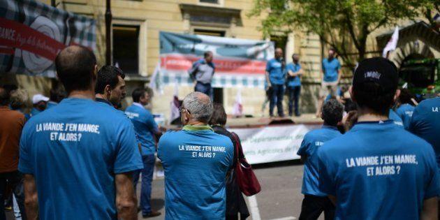 Des agriculteurs devant le tribunal correctionnel de Versailles le 12 juin