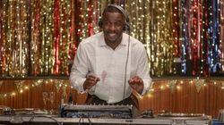 Idris Elba en DJ raté dans la nouvelle série Netflix