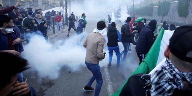 Des affrontements entre jeunes et police à Alger, ce 1er
