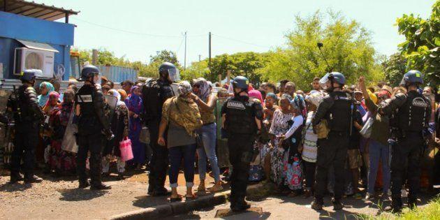 À Mayotte, quinze jours après la venue de la ministre, les Mahorais luttent eux-même contre