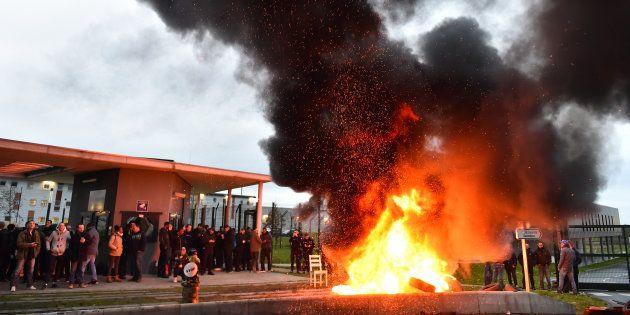 Après l'attaque à Condé-sur-Sarthe, des prisons perturbées en