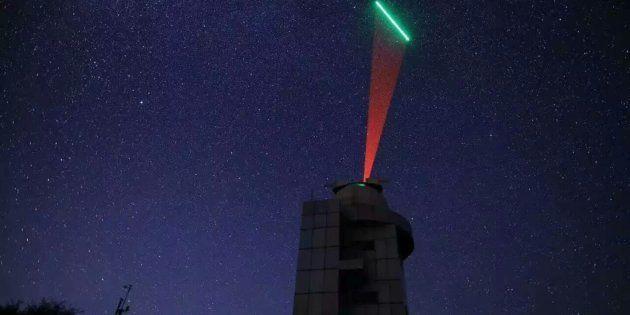 Première transmission quantique indétectable d'un satellite