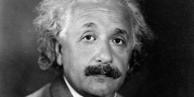 Albert Einstein (1879-1955) n'a jamais pu achever sa théorie des champs unifiés. Ces documents sont ses...