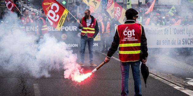 Grève SNCF: la cagnotte de soutien aux cheminots dépasse les 250.000