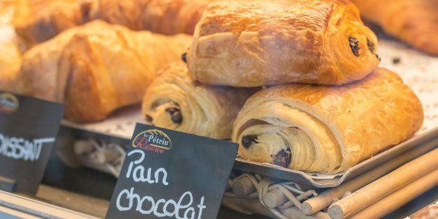 D'après un sondage Ifop, les Français consomment à 84% des pains au chocolat contre 16% de chocolatines.