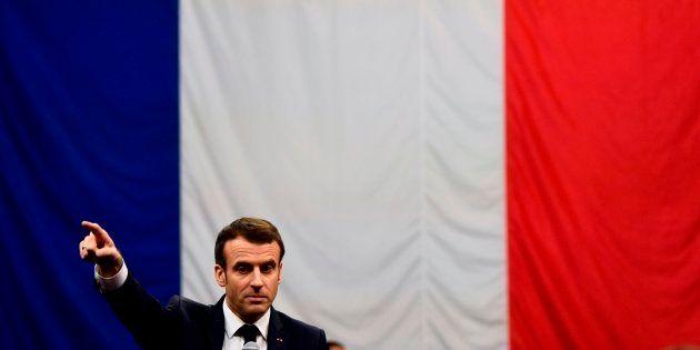 Le Président Emmanuel Macron lors de l'étape du Grand Débat National à Gréoux-les-Bains dans le sud-est...
