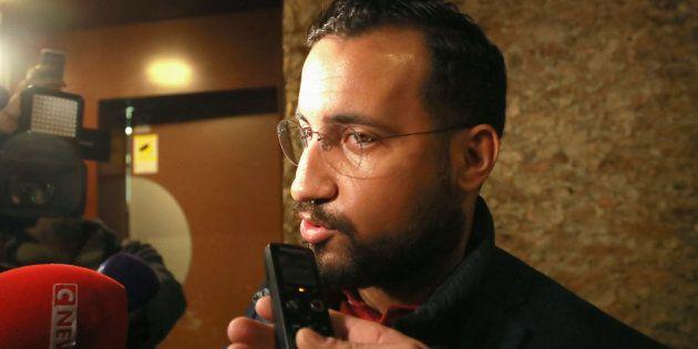 Alexandre Benalla interrogé par les journalistes à sa sortie de