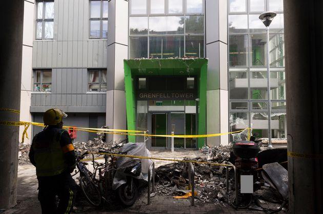 Une photo de l'intérieur de la tour Grenfell après l'incendie, le 16