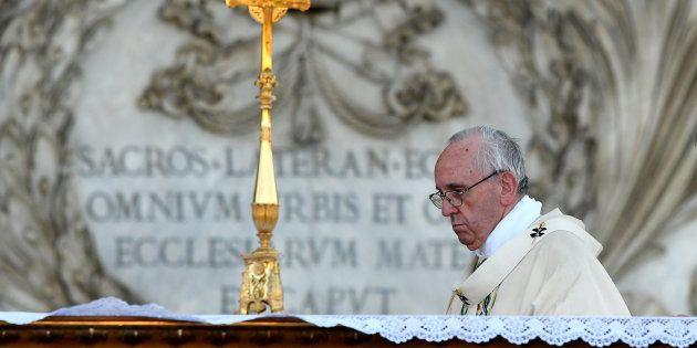 Le Pape François accusé d'avoir ignoré des cas de pédophilie sur des enfants