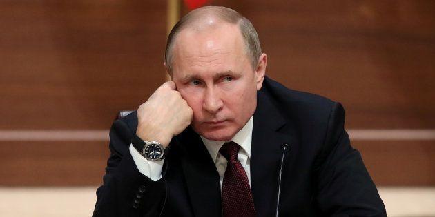 Washington sanctionne des proches de Poutine, Moscou promet