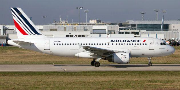 Grève à Air France: 30% des vols annulés, taux le plus élevé depuis le début du