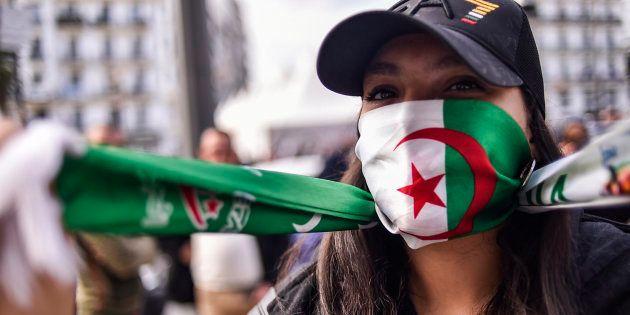 Dimanche 10 mars, les étudiants étaient de nouveau dans les rues d'Alger pour s'opposer à un cinquième...
