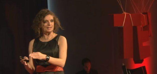 Audrey Dussutour lors de sa première conférence Ted à Toulouse, en
