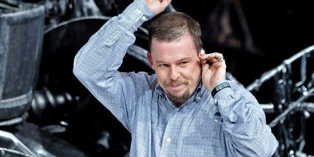 Le suicide d'Alexander McQueen, en 2010, est encore gravé dans la mémoire de toutes et