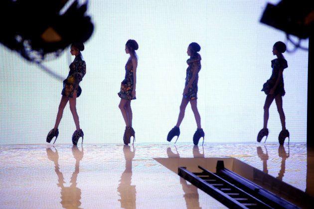 Ce que la mode doit à Alexander McQueen, 10 ans après sa