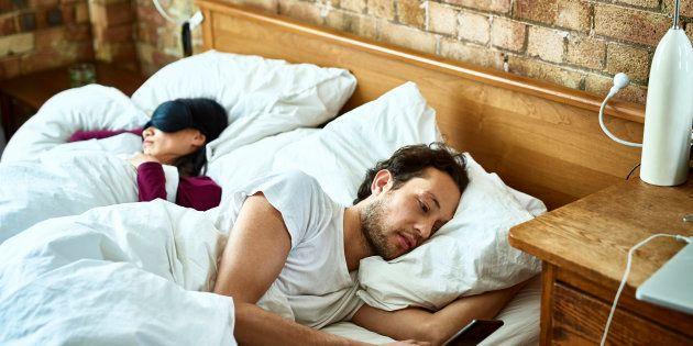 En moyenne, les 18-75 ans dorment 6h45 chaque nuit (photo d'illustration).