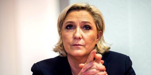 Marine Le Pen en conférence de presse le 14