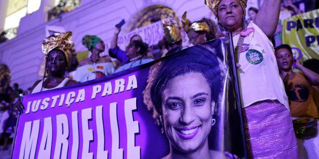 Deux policiers arrêtés au Brésil, un an après l'assassinat d'une élue noire (photo: les Brésiliens ont...