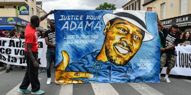 Mort d'Adama Traoré: une expertise médicale fournie par la famille contredit les conclusions de l'enquête...