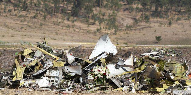 Crash Ethiopian: les boîtes noires seront envoyées en France (Photo prise le 13 mars sur les lieux du...