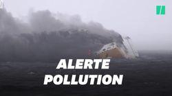 Les images du navire dont le naufrage menace de pollution la côte
