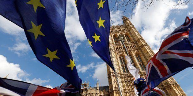 Les députés britanniques ont massivement voté contre la tenue d'un nouveau référendum sur le Brexit....