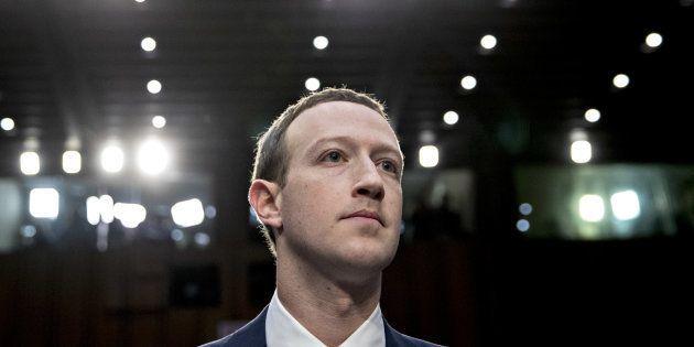 Au Sénat américain, Mark Zuckerberg s'est excusé pour les failles de Facebook, tout en défendant un réseau