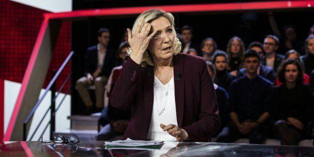 Marine Le Pen sur le plateau de France 2