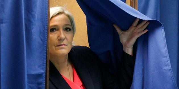 Marine Le Pen a accepté de répondre à la justice dans l'affaire des emplois fictifs du