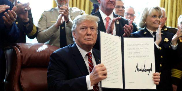 Pour la première fois depuis son arrivée à la Maison Blanche, Donald Trump a fait usage de son veto pour...