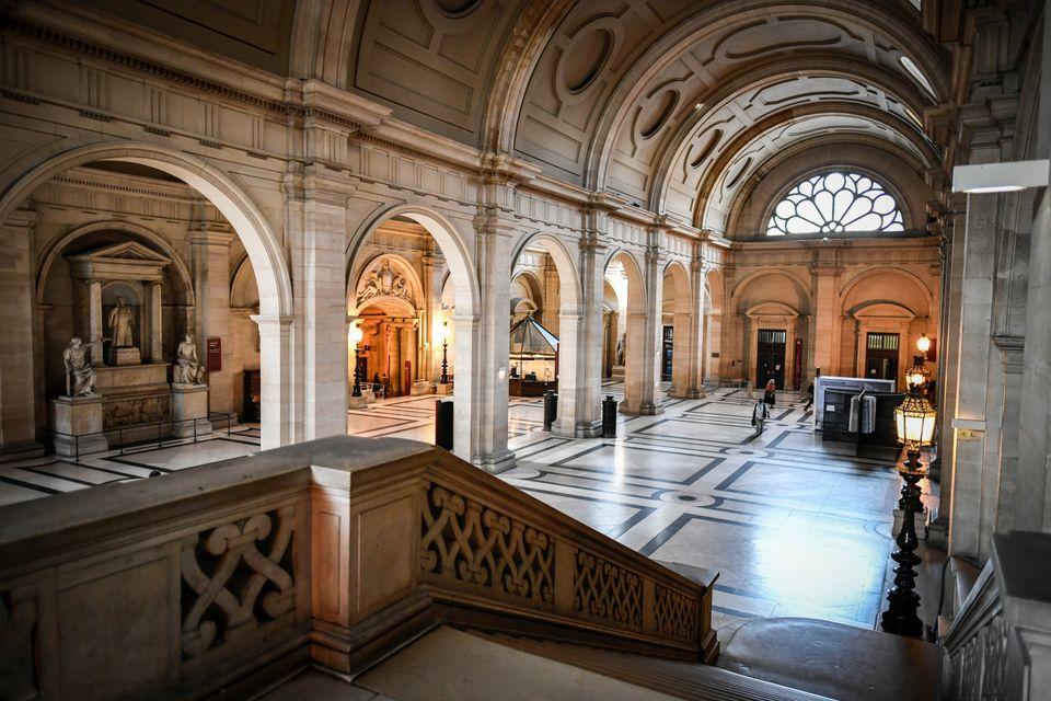 La salle des pas perdus du palais de justice de l'île de la