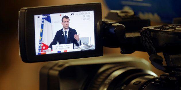 Macron joue son propre rôle et parle catholicisme dans un documentaire de