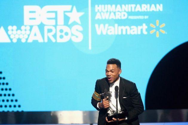 Aux BET Awards 2017, l'hommage de Michelle Obama à Chance The Rapper l'a ému aux