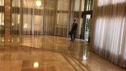 Pendant ce temps-là, Bachar al-Assad arrive au bureau comme si de rien