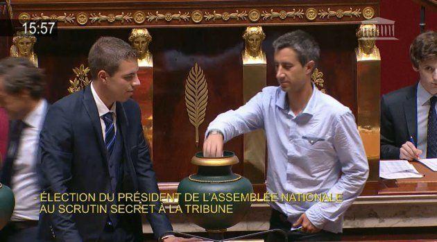 François Ruffin sans cravate à