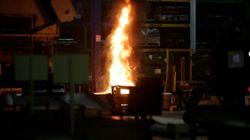 Les salariés de GM&S incendient une partie de leur