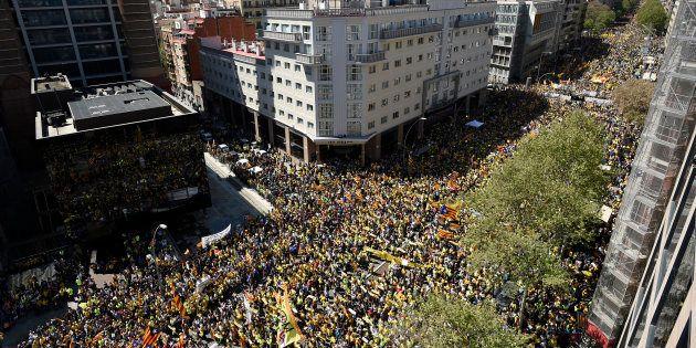 À Barcelone, plus de 300.000 personnes manifestent contre la détention