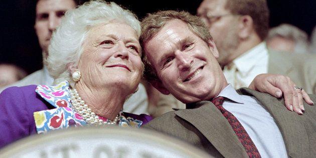 Barbara Bush, mère et femme de présidents arrête son traitement médical et va suivre des soins