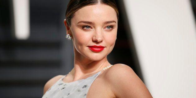 Miranda Kerr lors de la fête des Oscars organisée par Vanity le 26 février